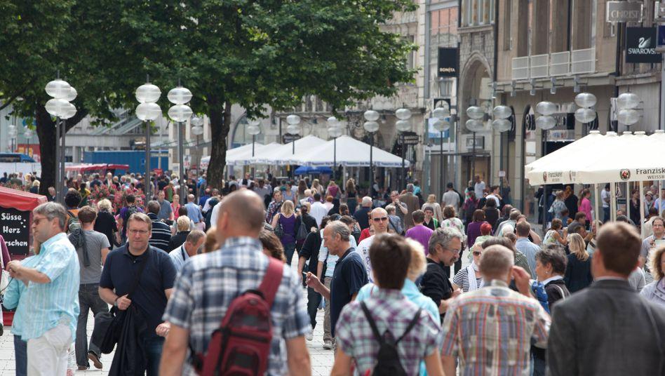 Szene in der Münchner Kaufingerstraße: Meistbesuchte Einkaufsmeile