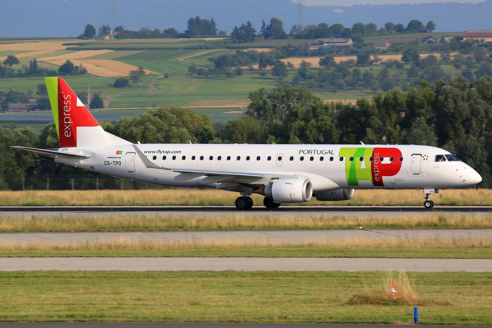EINMALIGE VERWENDUNG TAP/ E190/ Flugzeug/ Flughafen Stuttgart