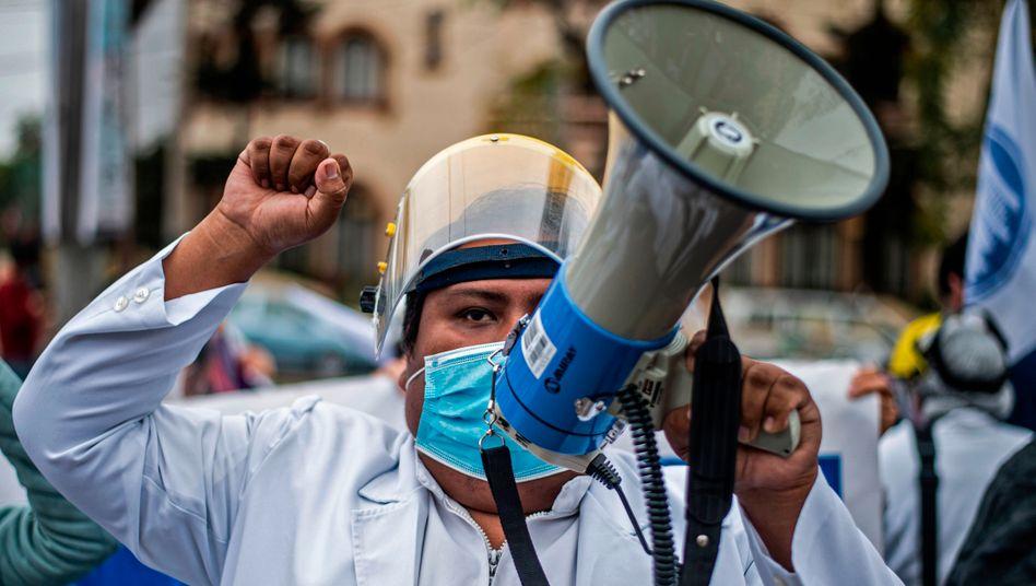 Proteste in Lima: Kaum ein Land ist so hart von der Coronakrise getroffen worden wie Peru