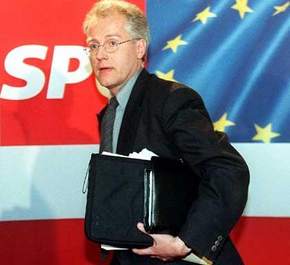 """Parteiloser EU-Parlamentarier Martin: """"Unglaubliches Kesseltreiben"""""""