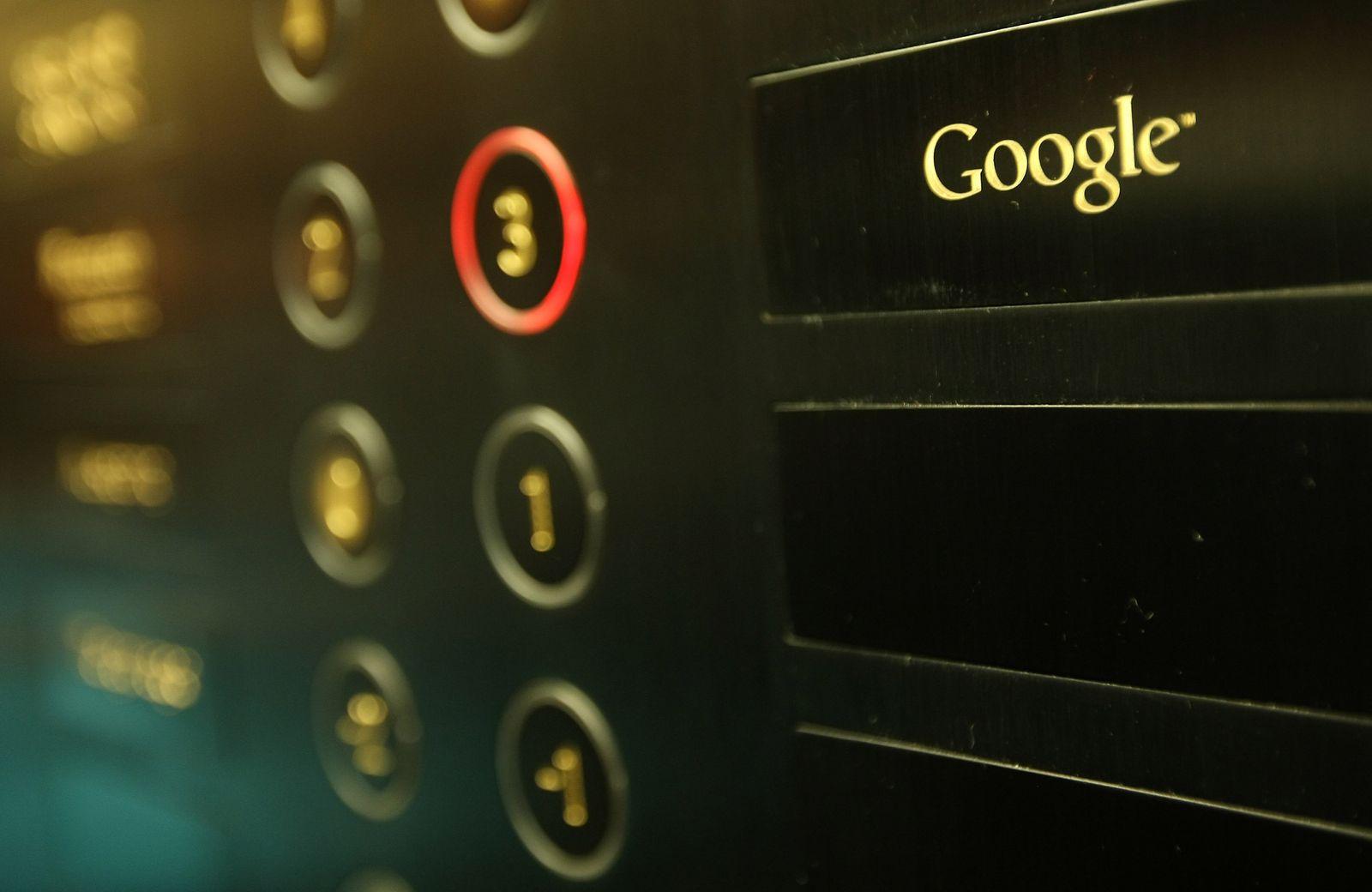 Google/ Aufzug