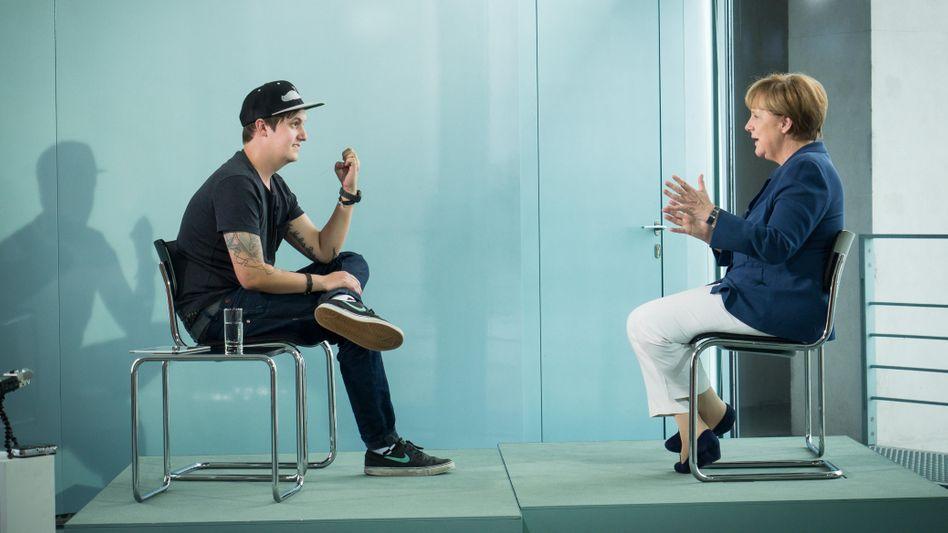 Merkel im Interview mit LeFloid: YouTube-Star trifft Kanzlerin
