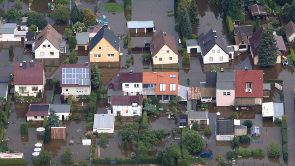 Keine Hilfe aus Erwitte: Aken unter Wasser