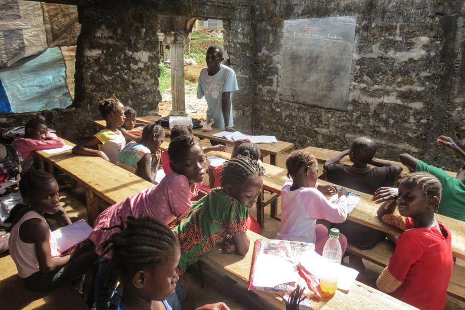 Ein Klassenzimmer in Sierra Leones Hauptstadt Freetown: Bildung ist für viele Kinder in Afrika noch immer nicht selbstverständlich