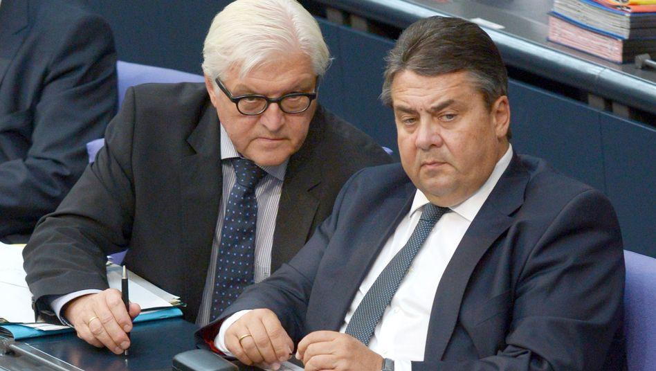 SPD-Politiker Steinmeier, Gabriel: NSA-Liste sorgt für Zwist