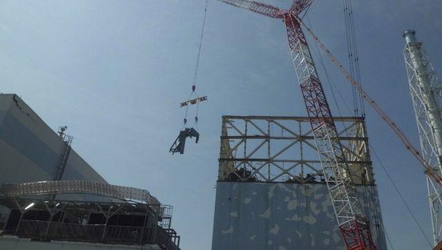 Reaktor 1 in Fukushima: Ein Zelt soll die zerstörte Hülle vorübergehend ersetzen