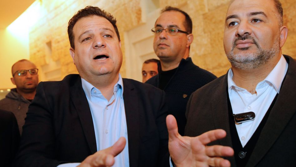 Ayman Odeh (links)