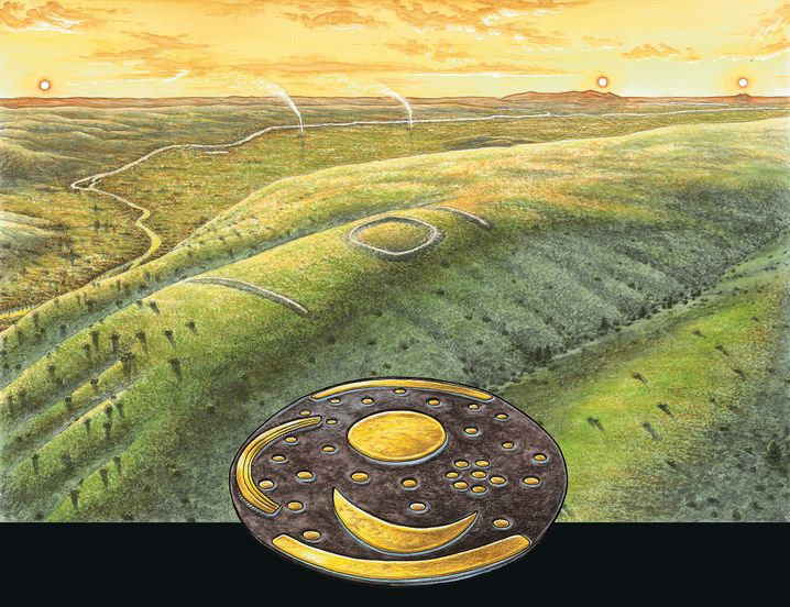 Richtet man die Himmelsscheibe flach in westliche Richtung nach dem Brocken im Harz aus, lässt sich an den goldenen Horizontbögen am Rand der Scheibe Sommer- und Wintersonnenwende ablesen.