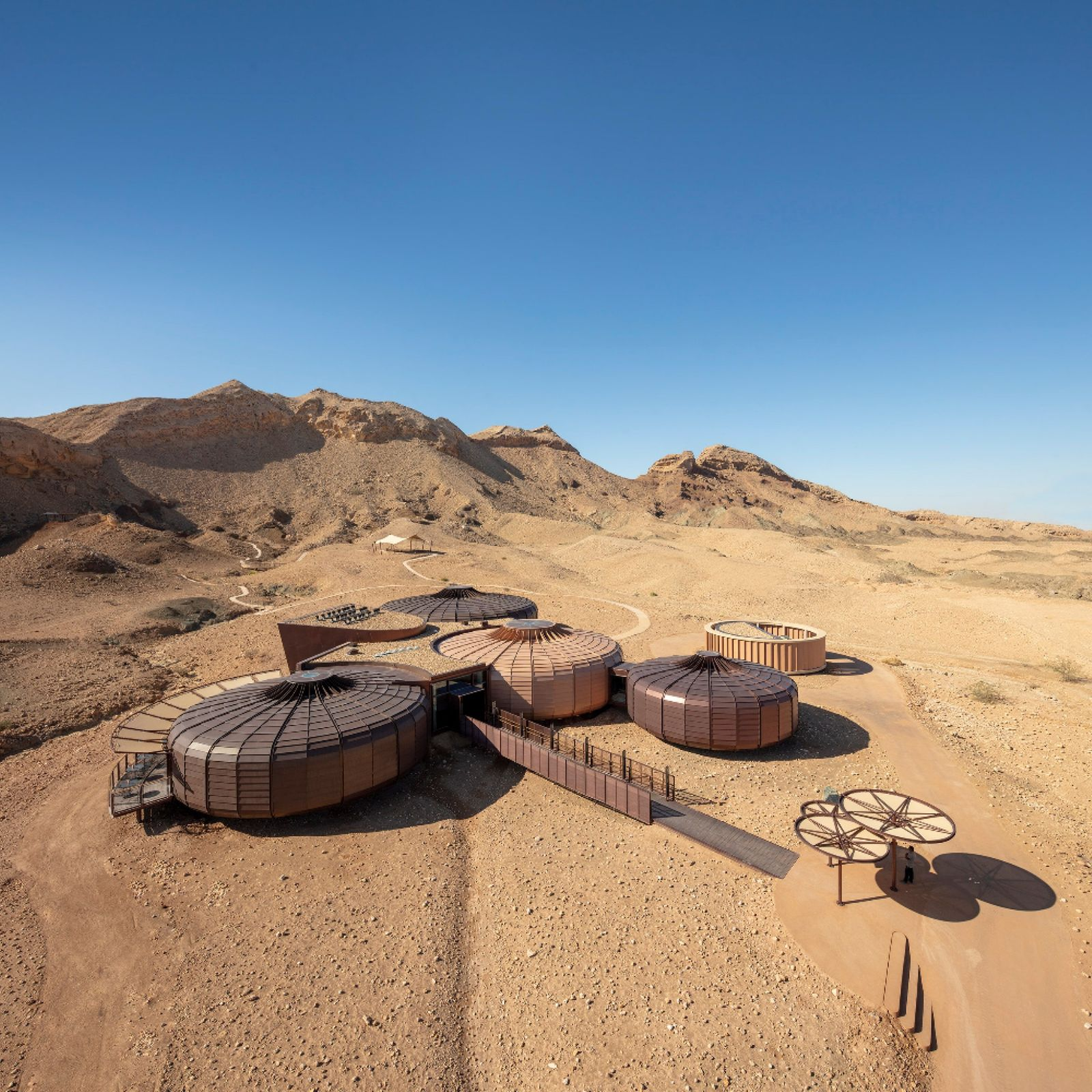 Buhais Geology Museum responds sensitively to its spectacular desert site