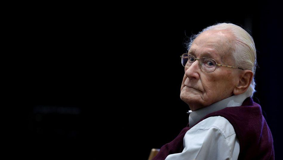 Urteil im Auschwitz-Prozess: Früherer SS-Mann Oskar Gröning zu vier Jahren Haft verurteilt