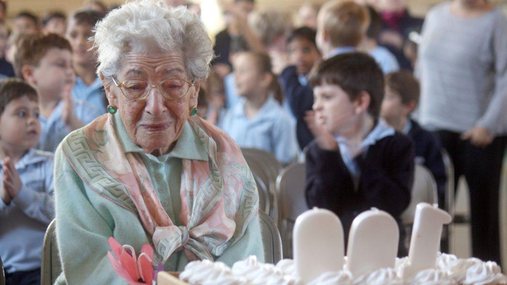 Mit 100 in der Grundschule: Die Jahrhundertlehrerin