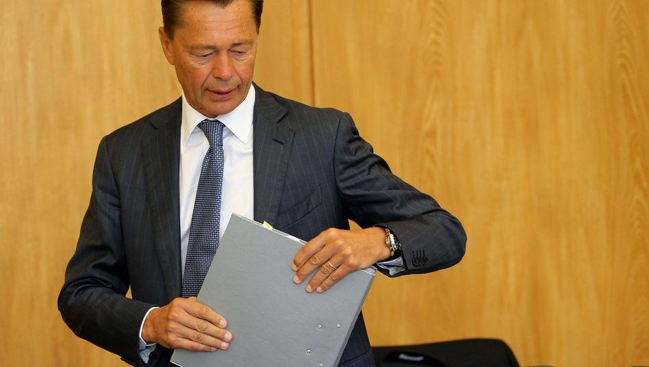 Middelhoff am 13.06.2014 im Gerichtssaal in Essen: Wird er Auskunft geben?