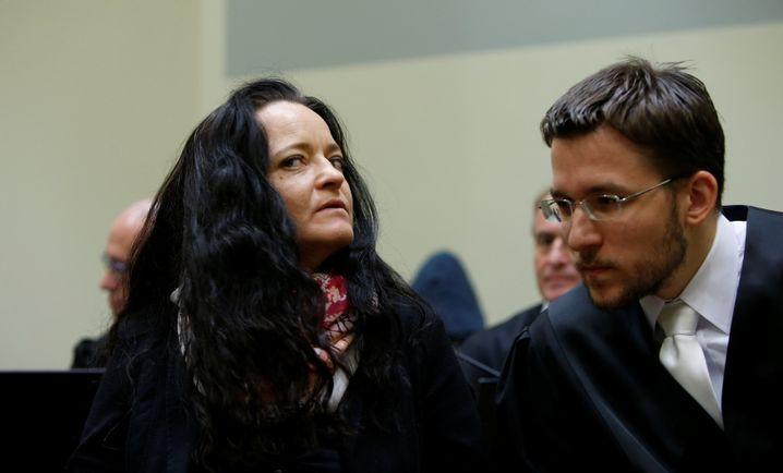 Beate Zschäpe und ihr Anwalt Mathias Grasel