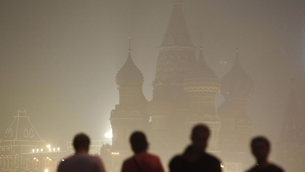 Photo Gallery: Russia in Flames