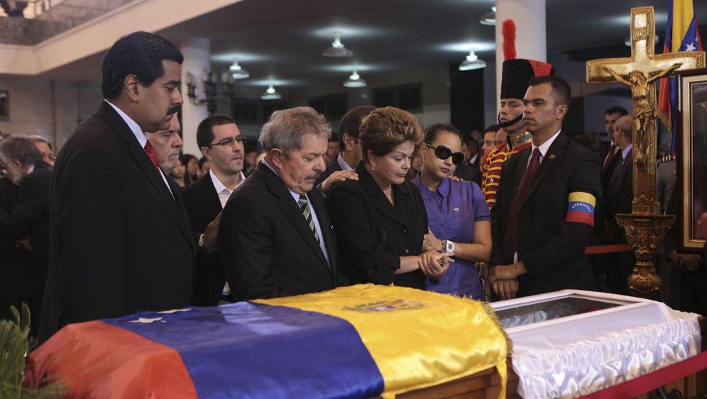 Gestorbener Präsident Chávez: Trauer am gläsernen Sarg