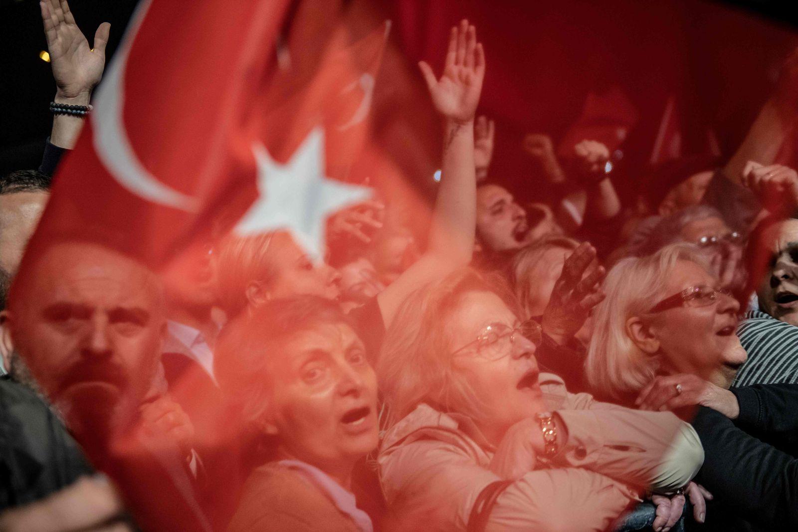 TOPSHOT-TURKEY-POLITICS-VOTE
