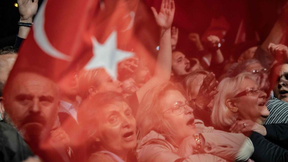 Bürgermeisterwahl annulliert: In Istanbul protestierten Tausende gegen die Entscheidung der Wahlkommission