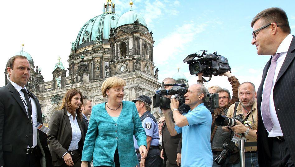 Kanzlerin Merkel in Berlin: Teure Wahlversprechen