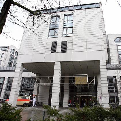 Virchow-Klinikum in Berlin: Unklar ist, warum die Leiche so lange unentdeckt blieb