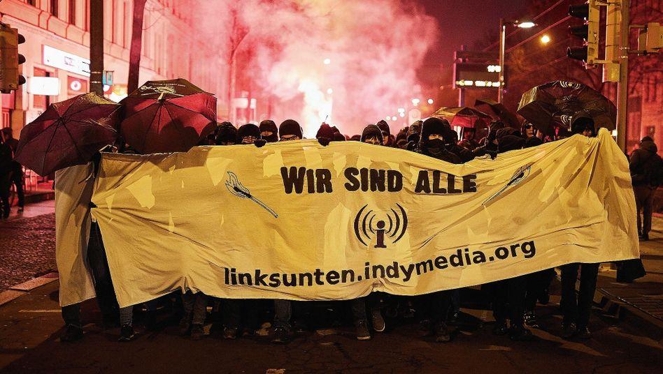 """Demonstration in Leipzig (am 25. Januar): """"Scheißpresse, verpiss dich!"""""""
