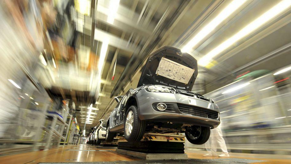 Produktion bei Volkswagen: Wer bei Multis arbeitet, kann auf ein sattes Lohnplus hoffen