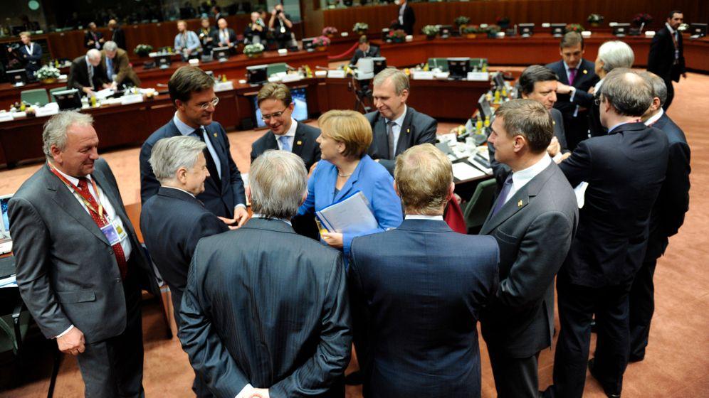 Merkel im Blick: Warten auf die Euro-Rettung