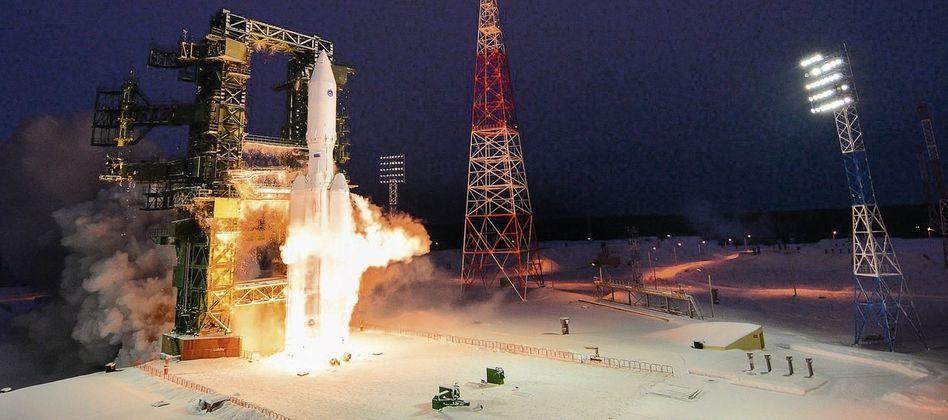 Teststart der neuen »Angara«-Rakete in Plessezk im Dezember 2014