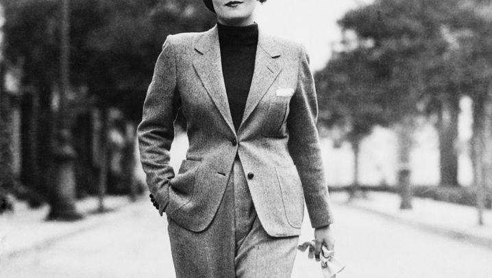 Der Hosenanzug im Wandel der Zeit: Marlene Dietrich trifft Mugler