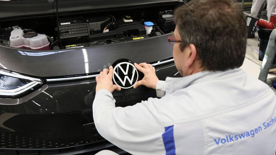 ID3-Fertigung in Zwickau: In den USA soll die VW-Produktion im Mai wieder anlaufen