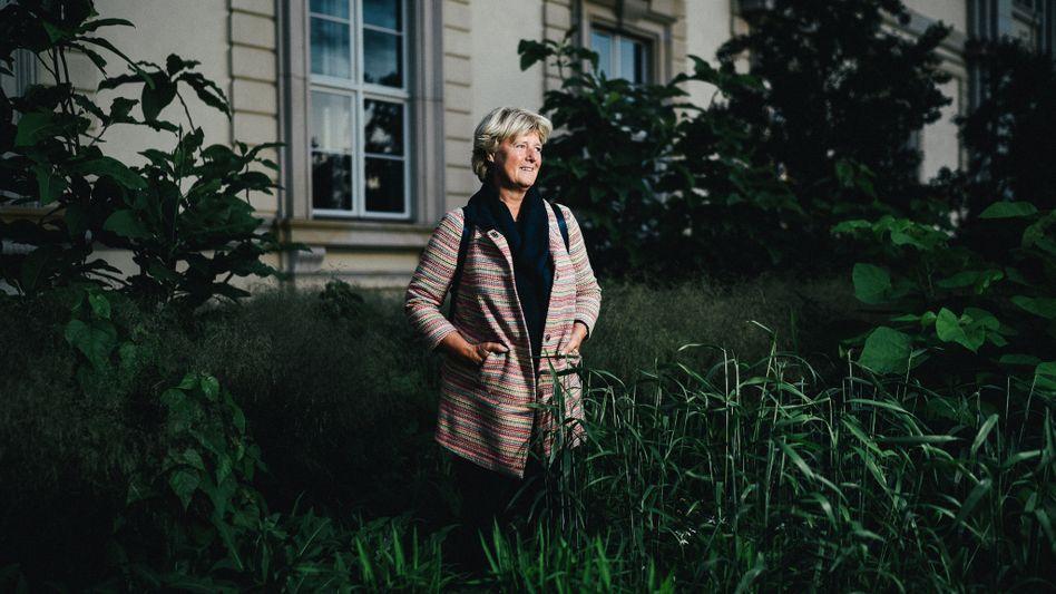 Der SPIEGEL trifft im Bundestagswahlkampf eine Reihe von Politikerinnen und Politikern und geht mit ihnen für ein Gespräch durch das Berliner Regierungsviertel
