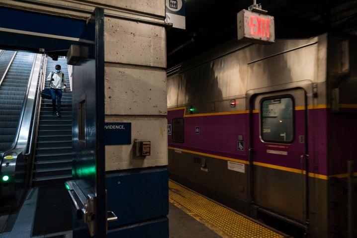 Tren suburbano en Rhode Island: este tren es un medio de transporte importante en gran parte de los Estados Unidos.