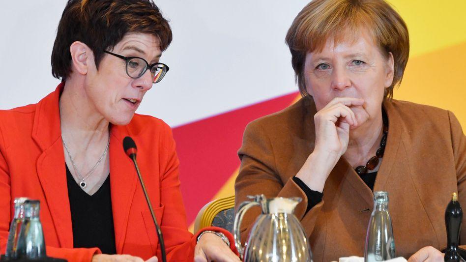 Annegret Kramp-Karrenbauer, Angela Merkel