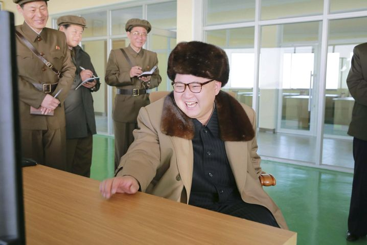 Kim Jong Un in einem Testzentrum in Cholsan (Aufnahmedatum unbekannt)