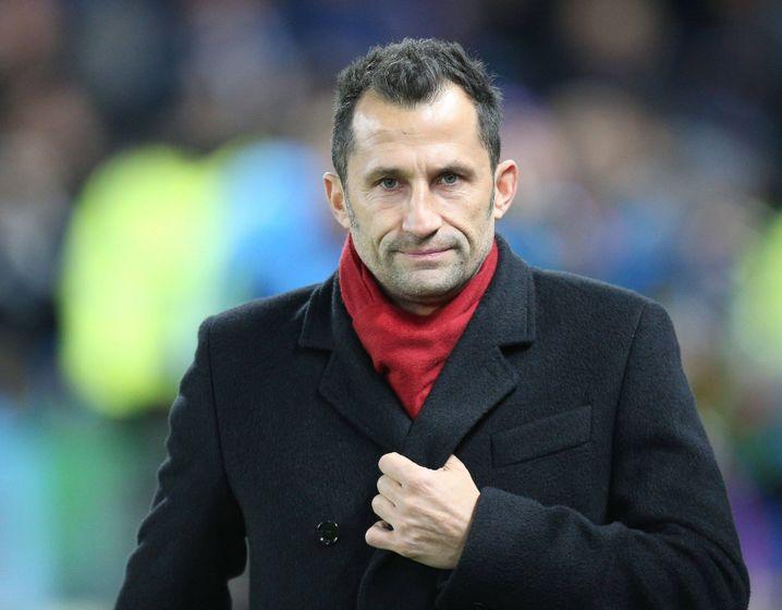 Früher Kämpfer auf der Außenbahn, heute oftmals ungelenk als Sportchef in der Öffentlichkeit: Hasan Salihamidzic