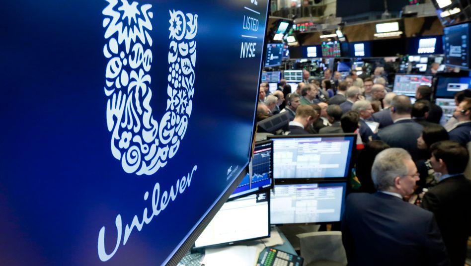 Unilever will in den USA keine Werbung mehr über Facebook und Twitter verbreiten: Aktien der Onlinekonzerne an der Wall Street brechen ein
