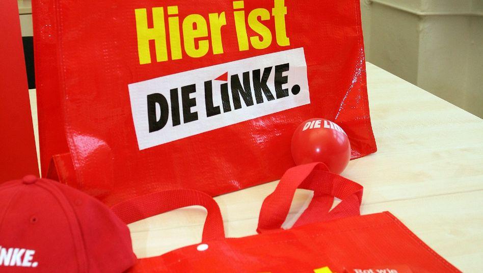 Linken-Werbematerial in der Parteizentrale: Empörung über Kommunismus-Aussagen