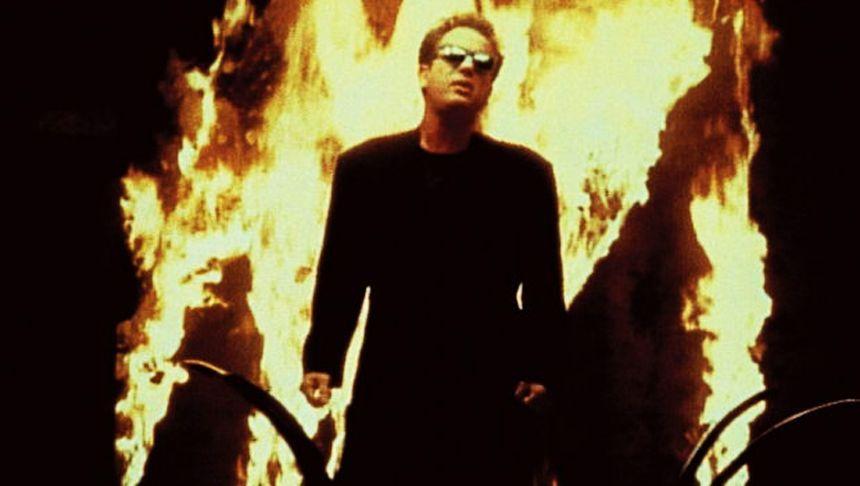 """Screenshot aus dem Musikvideo """"We didn't start the fire"""""""