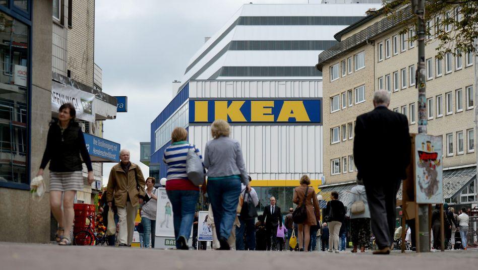 Ikea-Filiale in Hamburg-Altona: Verkehrslage weiter unter Beobachtung
