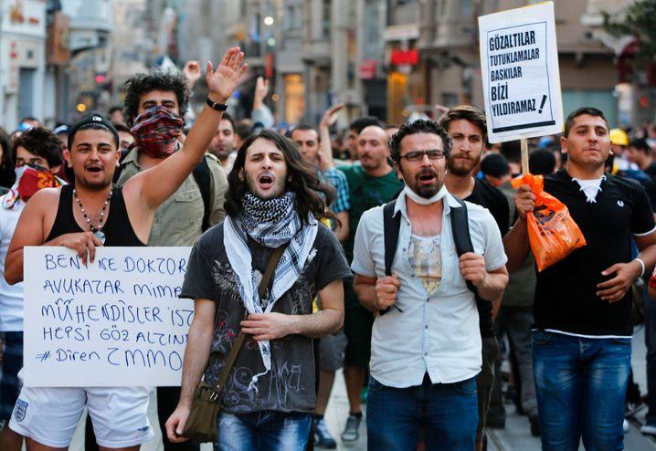 Regierungskritische Gezi-Proteste 2013: Die liberale, widerständige Türkei findet über soziale Medien zusammen