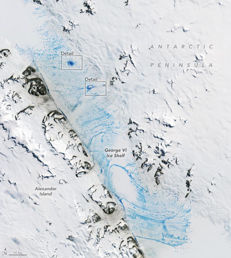 Wasseransammlungen auf dem Schelfeis: Es ist insgesamt 24.000 Quadratkilometer groß