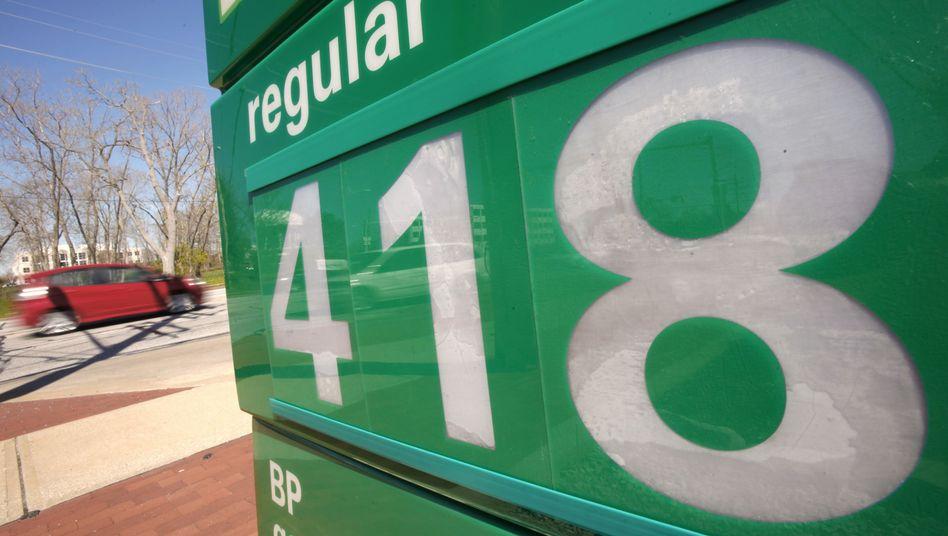 BP-Benzinpreisanzeige in den USA: 800 Tankstellen werden verkauft