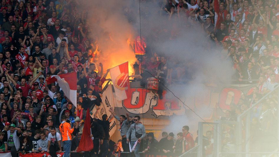 """Cottbuser Fanblock: """"Dafür entschuldigen wir uns bei Dynamo"""""""