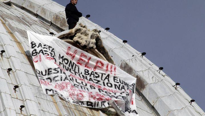 Luftiger Protest: Italiener sitzt auf Kuppel des Petersdoms