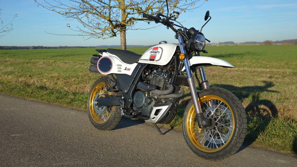 Die Mash X-Ride 650 erinnert optisch sehr an die Yamaha XT 500