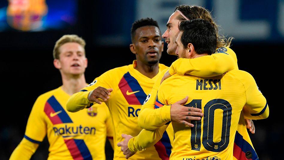 Barcelona-Spieler bejubeln den Treffer von Antione Griezmann