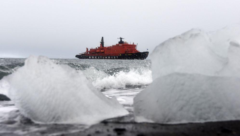 Im Atomeisbrecher zum Nordpol: Kreuzfahrt im Eis