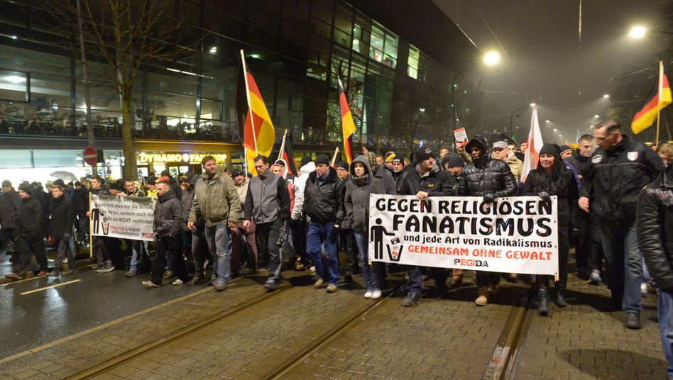 Pegida-Demo in Dresden: Es etablierten sich Parallelgesellschaften