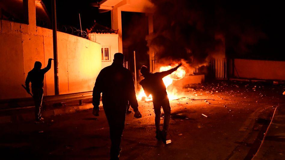 Sturm auf die Militäranlage: Lange nicht mehr haben griechische Protestler die Staatsmacht so herausgefordert