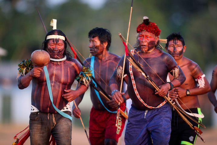 Angehörige der brasilianischen Xikrin im nördlichen Bundesstaat Para