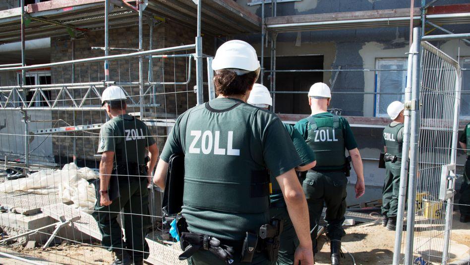 Razzia gegen Schwarzarbeit auf einer Baustelle in Frankfurt (Archivbild)